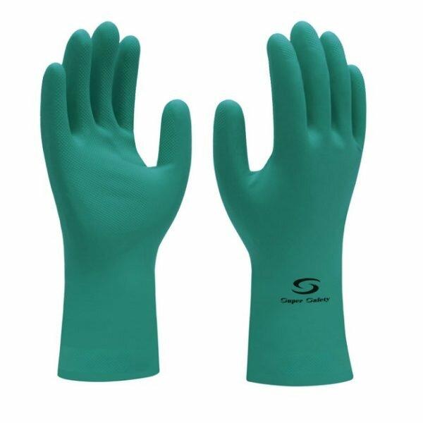 Esta Luva de Látex Nitrílico Supergreen Super Safety possui elevada resistência contra agentes químicos aliada ao conforto e sensibilidade.